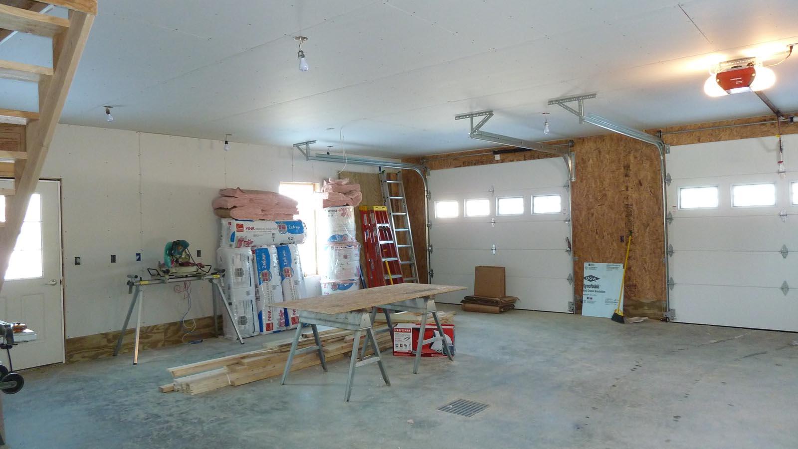 Garage and av rack quadomated - Inside of a garage ...