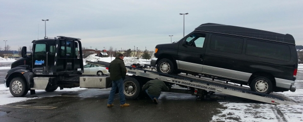 Selling my Ford Econoline E-150 Wheelchair Van - Getting Loaded up on the Car Carrier